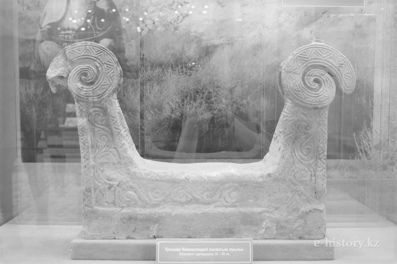 Zazaca konuşan Alevîlerde koç heykelli mezar taşları