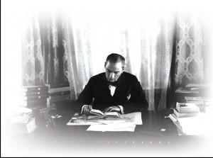Atatürk hayatı boyunca okudu.
