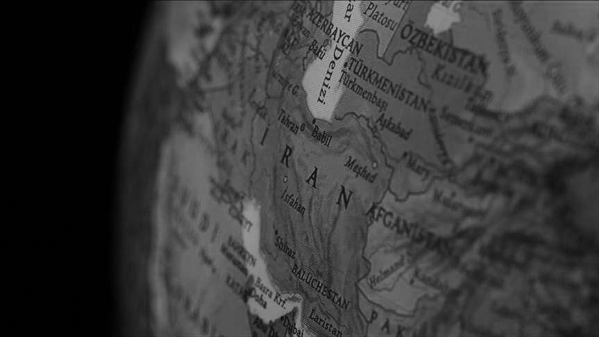 İran'ı, Persleştiren süreç: Devlet kurma çabaları