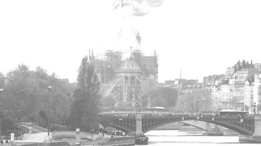 Notre Dame bir tarihti yandı ama küllerinden yeniden doğacak
