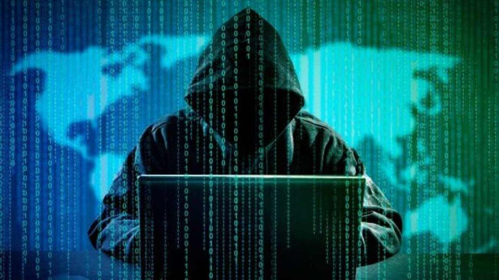 """""""Siber uzayın öneminin diğer boyutu ise hibrit savaşın doğasına uygun biçimde sağladığı saldırı ortamıdır."""""""