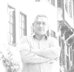 Türk milliyetçiliğinin edebiyattaki usta kalemi: Metin Savaş