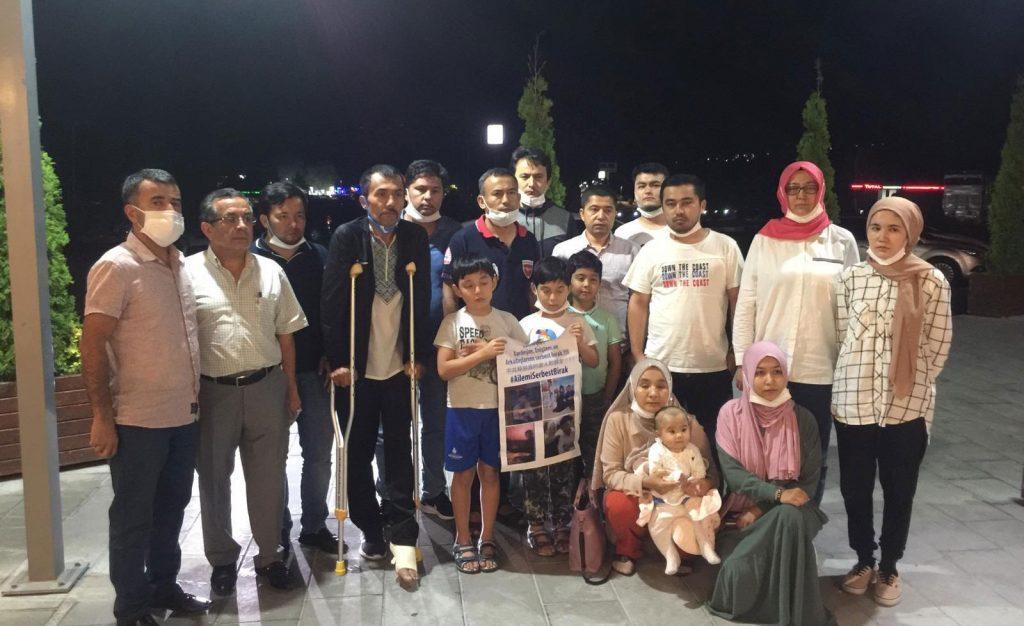 Çin tarafından akrabaları toplama kampına alınan 15 Uygur Türk'ü Ankara'ya alınmadı.