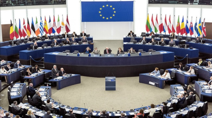 Avrupa Parlamentosu salvosu
