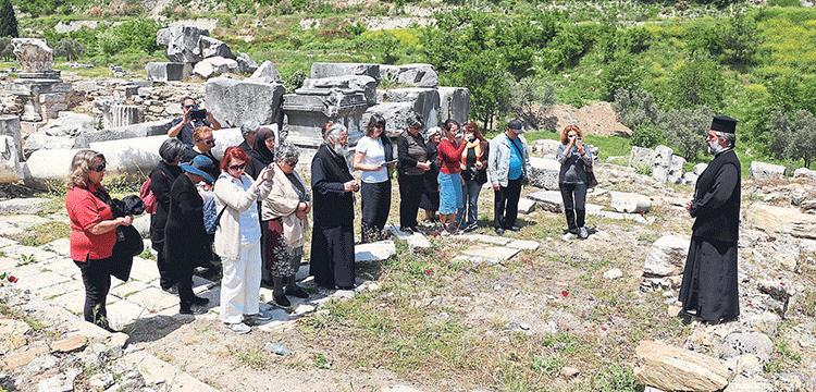 Fener Rum Patrikhanesi antik kentteki kilise kalıntısına papaz atadı!