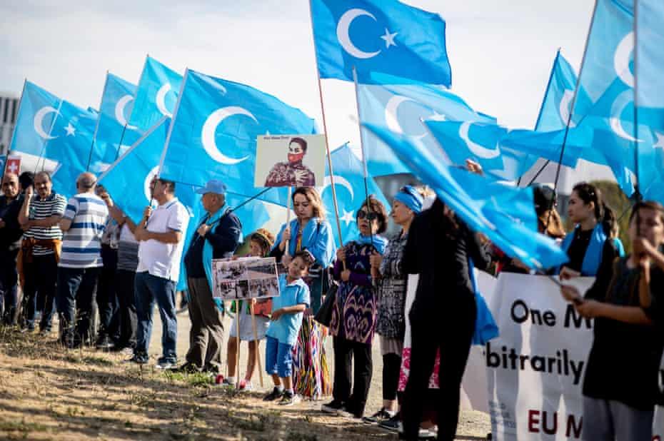 Uygur Türkleri baskı altında tutuluyor
