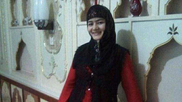 Uygur Türkü Kadın soykırım kampında