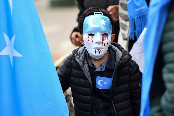 Çin Kazakistan cumhurbaşkanı Tokayev'in Doğu Türkistanlı Kazak Türkleri açıklamasından ötürü övdü