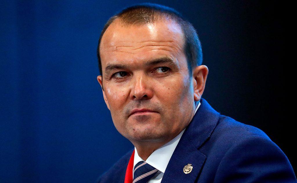 Türk cumhuriyetinin görevden alınan başkanından Putin'e dava