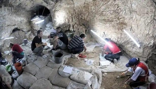 Ermenistan Azerbaycan'ın kültür varlıklarını yok ediyor