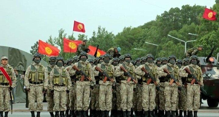 Tacikler Kırgızistan'a saldırdı