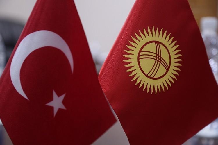 Türk işadamları Kırgızistan'a solunum cihazı satın alıp hediye etti