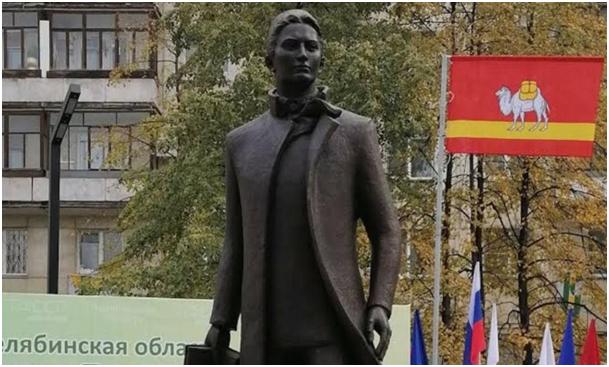 Çelyabinsk'te Tatar millî şairi Abdullay Tukay'ın anıtı açıldı