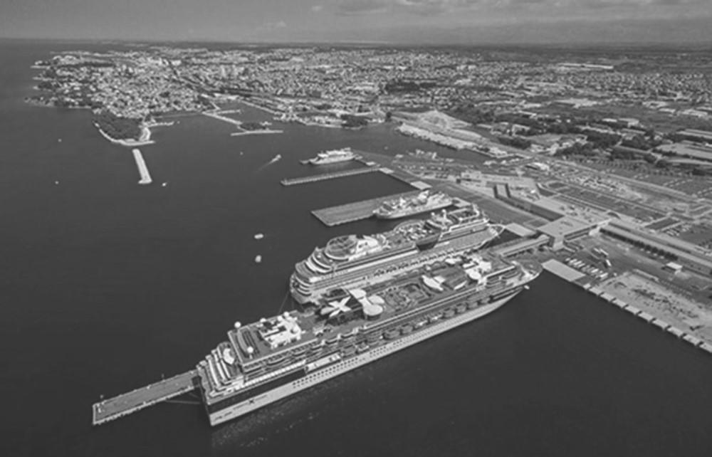Port Akdeniz Katar'a satıldı