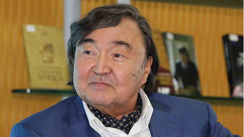 Oljas Süleymenov'dan Azerbaycan'a kardeş desteği