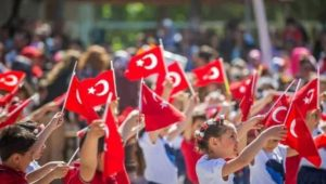 Türk Dünyası çocukları 23 Nisan'da hep birlikte el ele