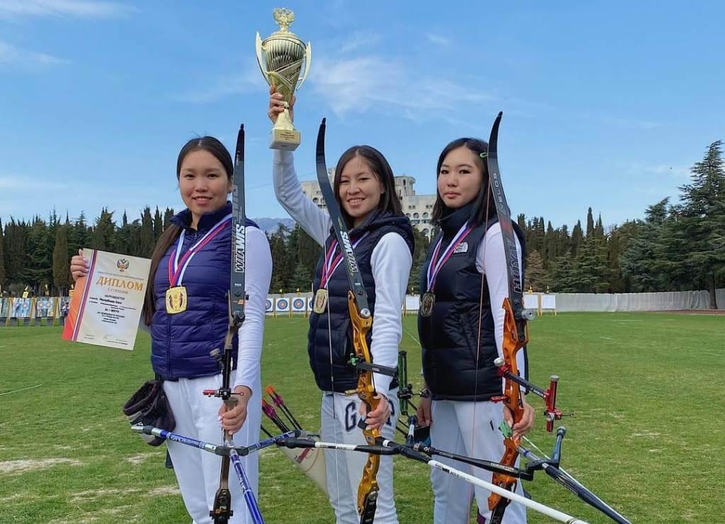 Yakut Türkü okçular Rusya'da altın madalya kazandı