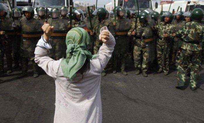 Sürgündeki Uygurlar yaşadıkları baskı ve zulmü Uygur Soykırım Mahkemesi'ne anlatıyor!